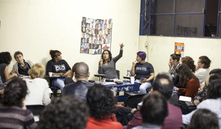 Regiany Silva durante o debate.
